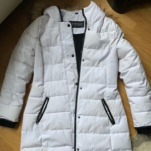 Guess winter jacket with removable hood
